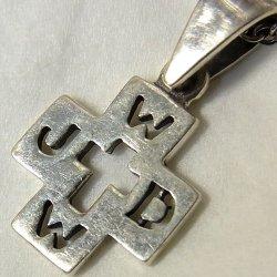 """画像1: 【バーゲン】【ミニミニサイズ】ヴィンテージ シルバー(銀製)W.W.J.D.(What Would Jesus Do) """"もし神ならどうするだろうか""""クロス 13×17mm(チェーン有。無し-300円引き)"""