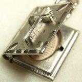 【バーゲン】ヴィンテージ シルバー(銀製) mini バイブル(聖書)主の祈り  for Lord's Prayer 天におられるわたしたちの父よ、み名が聖とされますように。 チャーム11×14mm(チェーン有り。無しの場合は300円引き)