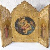 【中型サイズ】イタリア アンティーク「聖母子の画家」ラファエロ・サンティ作『小椅子の聖母』3枚続きの祭壇画(高さ178ミリ)
