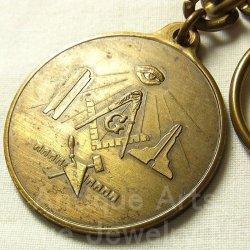 """画像1: 【大きめメダル】アメリカ ヴィンテージ フリーメイソン プロビンスの目 all-seeing eye of God""""神の目で人類を監視""""1980年製 ブルーミントン (Bloomington) 25周年キーフォルダー メダル 40mm"""