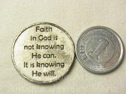 """画像3: 【バーゲン】""""神を信じるという事は、神が出来ることを知るのではなく、神の必ず行うという強い意志を知る事です。""""アメリカ ヴィンテージ お守り メダル (ポケット アムレット)25mm"""