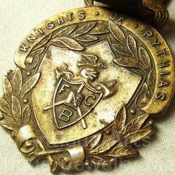 画像1: 【希少】アメリカ アンティーク 秘密結社 【Knight of Pythias ナイト・オブ・ピシャス】ウォッチフォブ(懐中時計メダル)皮ストラップ付き 33×42mm
