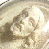 【1880年頃】《セピオライト「海泡石」彫刻》フランス アンティーク 聖イエス ドーム型ガラスフレーム 57×72mm